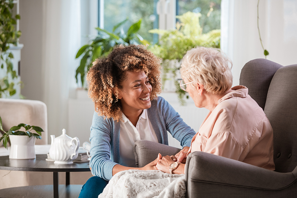 Assisted Living Facilities in Southfield, MI | Park at Franklin - Senior_Woman_Visit_1092112802
